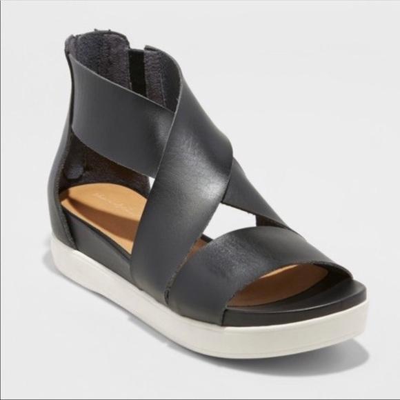 55de7050a49 Target Universal Thread Hummingbird Ankle Shoes. M 5bc0287c74359b346333129e